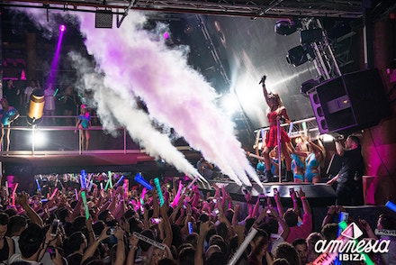 FOAM&DIAMONDS BY PARIS HILTON,CLOSING PARTY